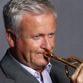https://www.trumpetrange.com/player/mike-lovatt/ image